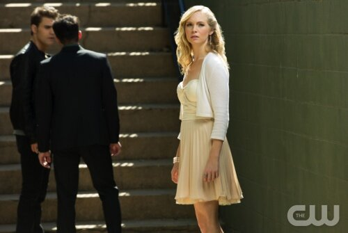 дневник вампира 4 сезон 4 серия смотреть: